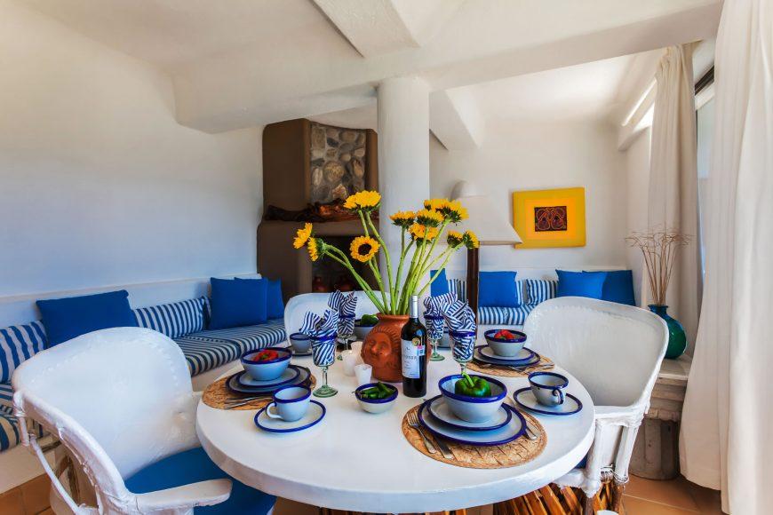 Las Palmas 2b Living Room
