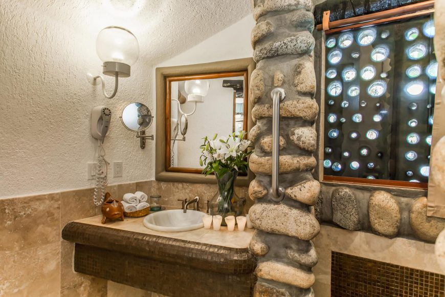 Concepcion Bathroom