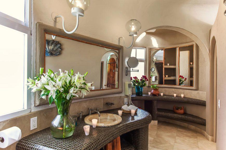 Estrella bathroom