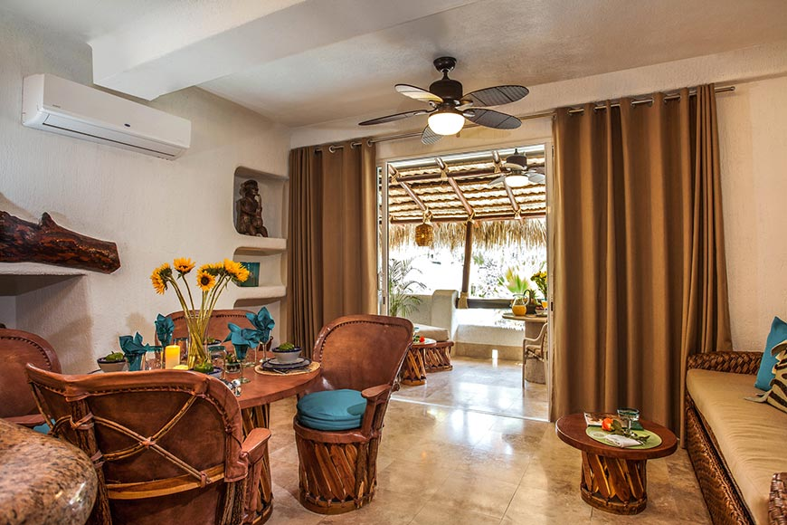 Las Palmas Dining and Living Room