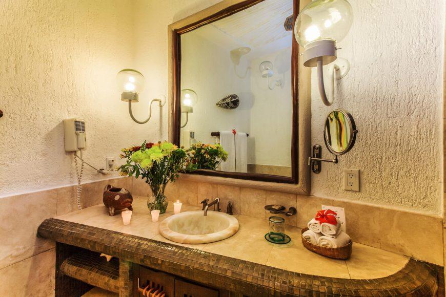 Perlita Bathroom