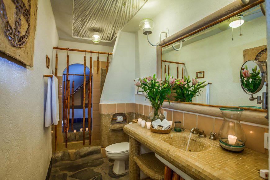 Tortuga Bathroom